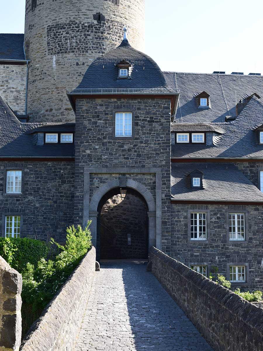 Bed and Breakfast Löffelmühle an der Elz: Ausflüge Burgen und Schlösser - Genovevaburg Mayen