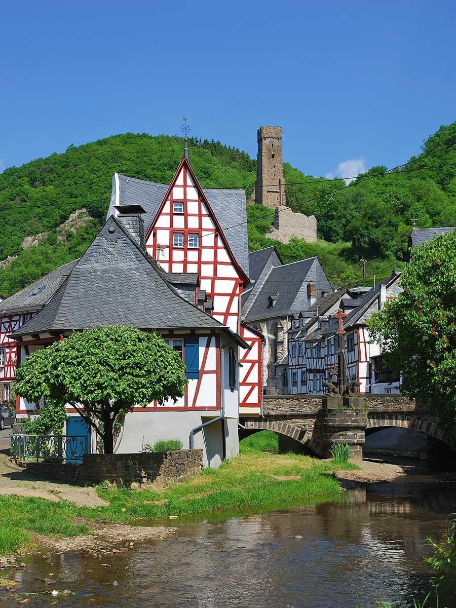 Bed and Breakfast Löffelmühle an der Elz: Ausflüge und sehenswerte Bauwerke - Monreal